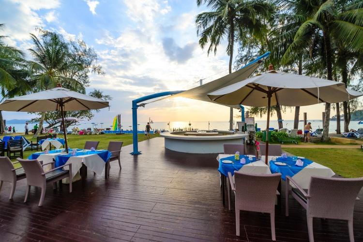 HolidayCorp – Briza Beach Resort - Khao Lak