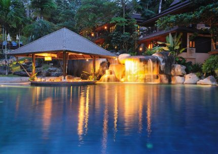 HolidayCorp – Khaolak Merlin Hotel & Elephant Hills Combo