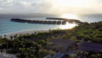 HolidayCorp-Movenpick Resort Kuredhivaru - Maldives