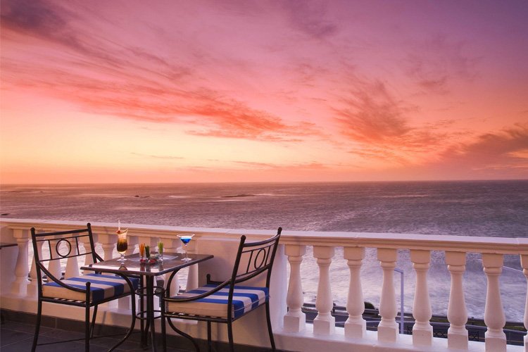 HolidayCorp-The Twelve Apostles Hotel & Spa & Rovos Rail Special